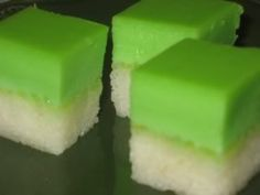 Pandan custard over sweet rice dessert