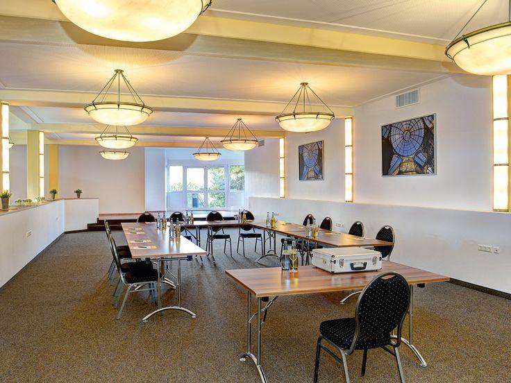Seminar - U-Form, Tagungsraum Kinzig, Hotel Waldachtal