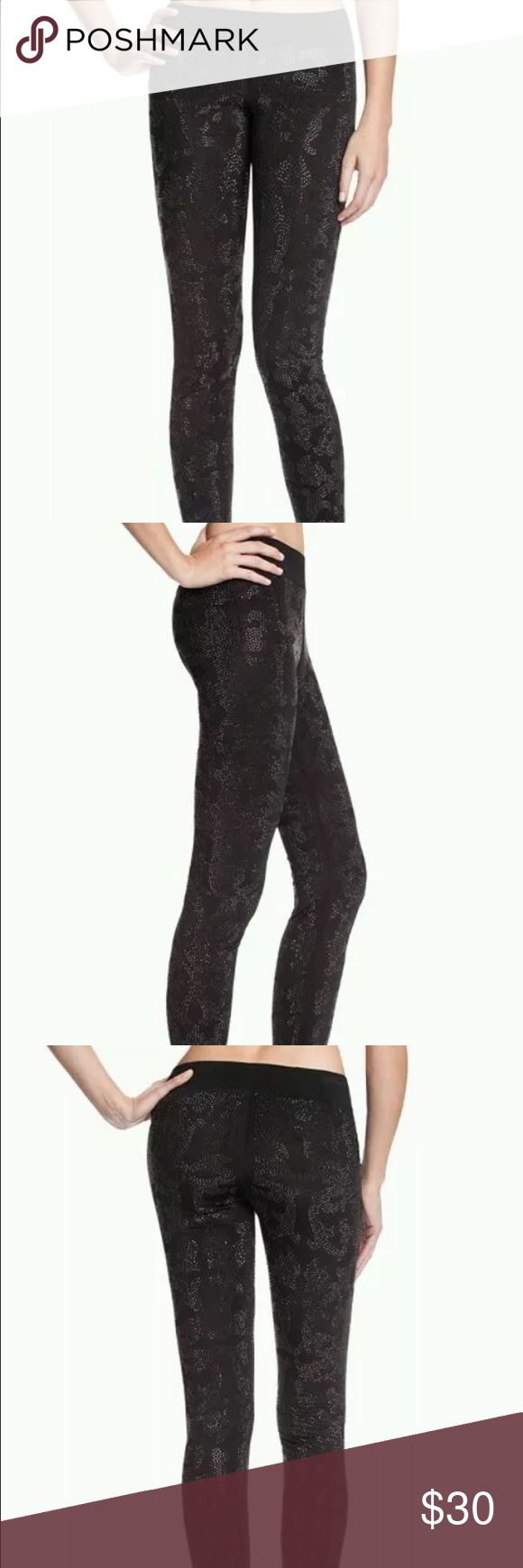 Guess Marciano black lace leggings s Stretchy guess Marciano leggings lace print size small Guess Pants Leggings