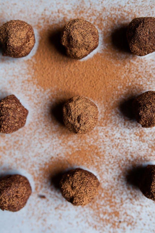 Coconut Chocolate 'Truffle' / blog.jchongstudio.com #paleo