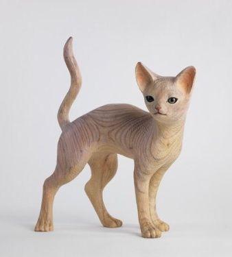 Cat sculpture by Japanese artist Yoshimasa Tsuchiya - Wood carving