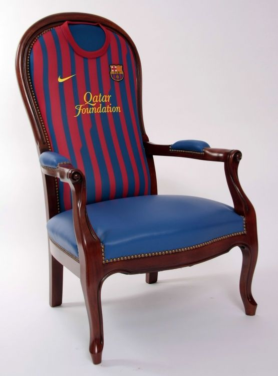 Fauteuil voltaire football club de barcelone for Chaise voltaire