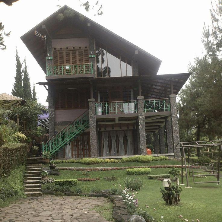 Sewa Villa Di Lembang Phone 082120989285 -Villa Istana Bunga-