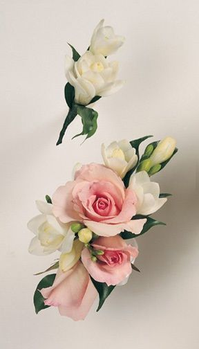 Rose/Freesia Corsage .... Freesia Bout