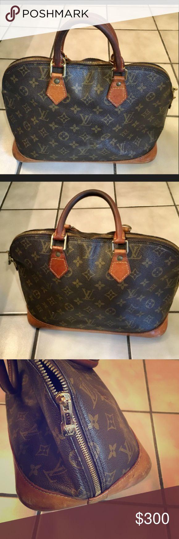 Authentic Vintage Louis Vuitton Bag 💼 💯% authentic vintage Louis Vuitton bag in loved condition and ready for a new home for a super bargain! 💼 Happy Poshing! 😊💕🛍 Louis Vuitton Bags Totes