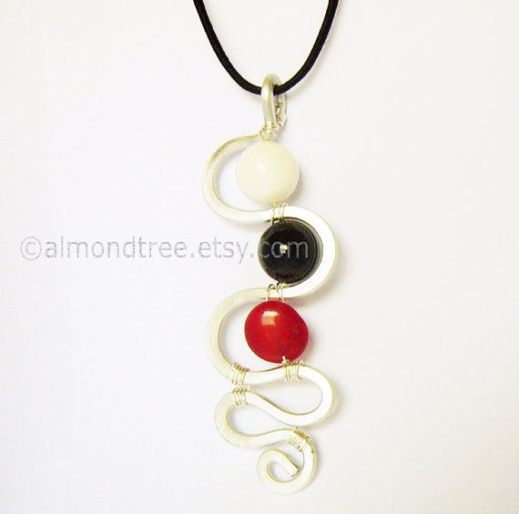 Check out this item in my Etsy shop https://www.etsy.com/sg-en/listing/242698590/river-red-black-white-pendant-mode