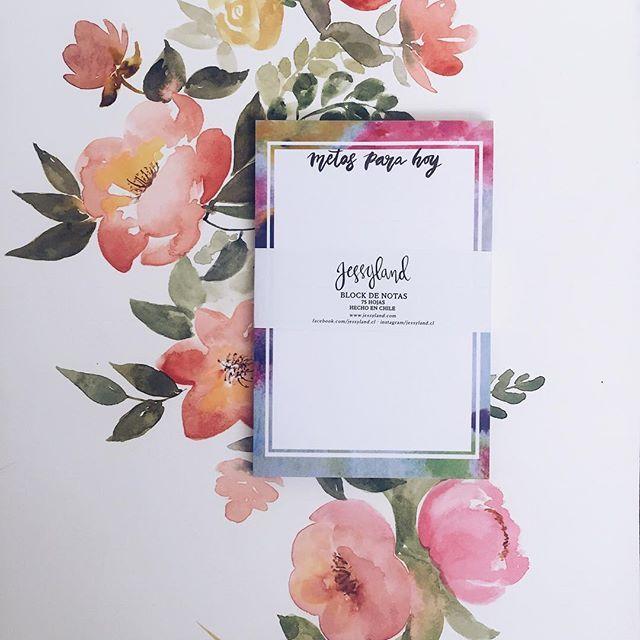 Mantén todas tus metas diarias ordenadas en este lindo block de notas, disponible en nuestro local y tienda online www.jessyland.com 😊