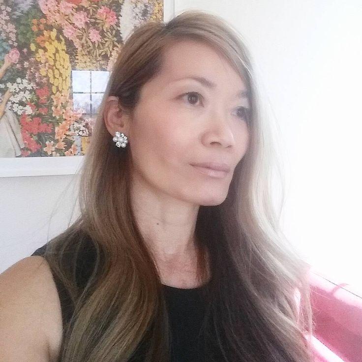 Hand selected freshwater round pearls with diamante art deco style Elise earrings.  In case you want one @ portobellojewelry.com  #midcentury #fashionblogger #weddingblogger #NYC #southhampton #Nashville #austin #LA #sfo #London #Paris #Stockholm #Copenhagen #sydney #northernbeaches #tci #liketkit