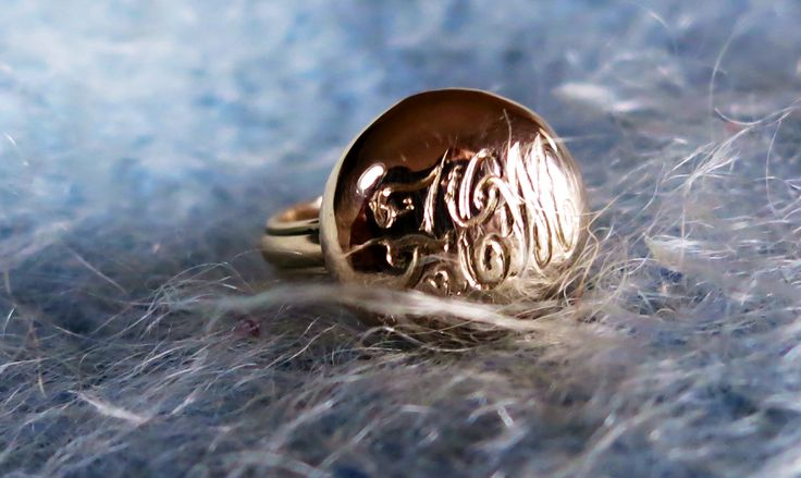 9ct gold handmade signet ring - zmjewellery.co.za