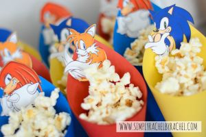 Sonic Hedgehog Birthday Party Popcorn cones.  GREAT idea (and EASY!)