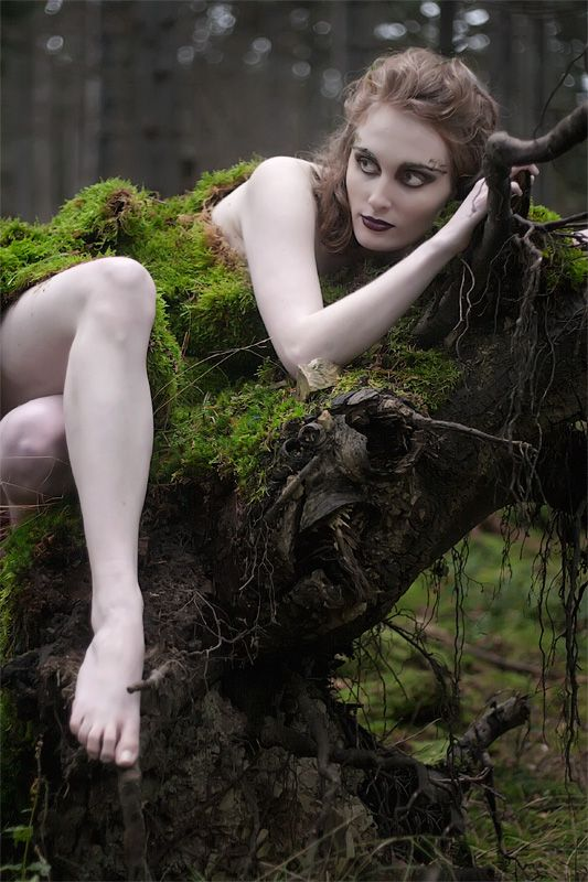 Mossy woman | Female model covered in moss from forest