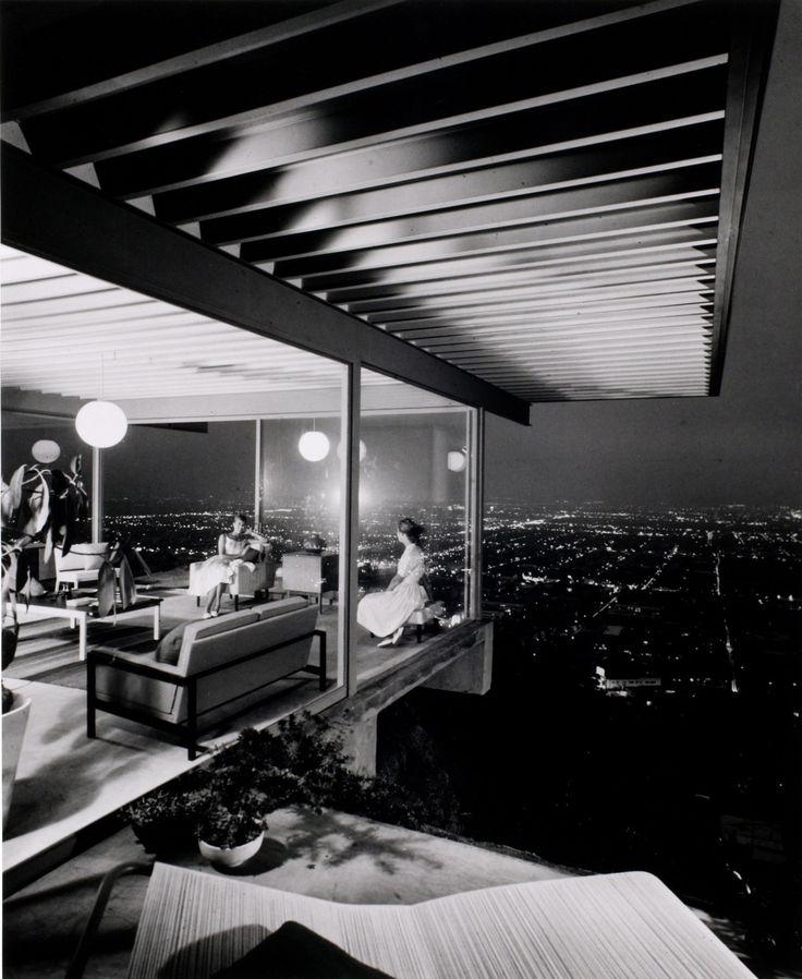 Julius Shulman - 1960 photo of Stahl House, Hollywood Hills designed by Pierre Koenig