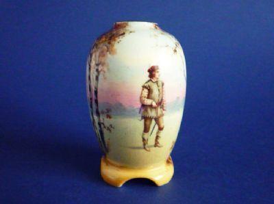 Royal Doulton Shakespearean Characters 'Orlando' Miniature Vase E7267 c1920