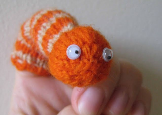 Easy Finger Puppet Knitting Pattern : Chemknits worm finger puppet knitting pattern snake and
