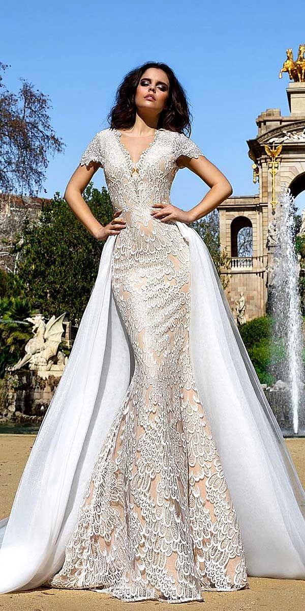 17 best ideas about crystal wedding dresses on pinterest for Cute princess wedding dresses