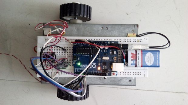 Picture of Mobile controlled car using Arduino+Bluetooth Module