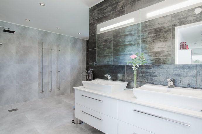 mrkt badrum i svart interior design pinterest interiors - Fantastisch Design Badevrelse Med Natursten