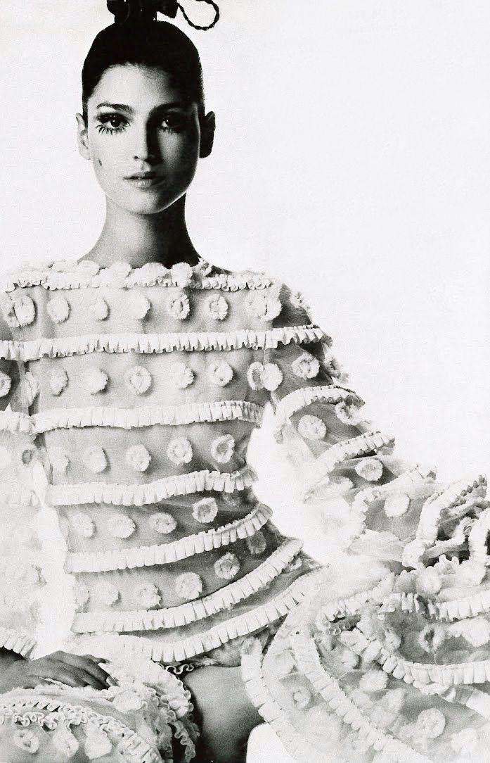 Benedetta Barzini, 1968, Vogue Italia  (via http://www.pinterest.com/intimateretreat/)