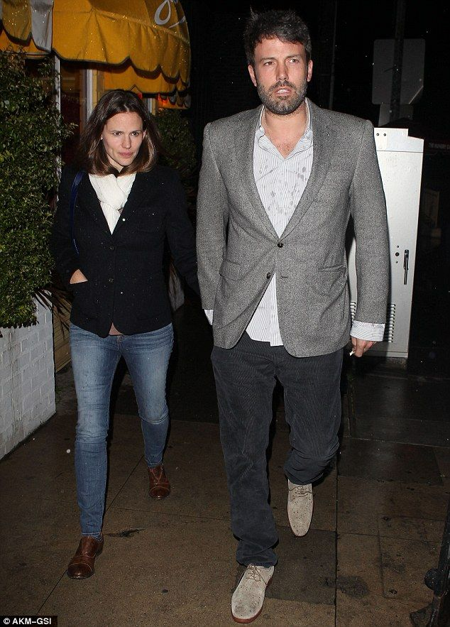 Ben Affleck and Jennifer Garner enjoy a rare date night as they leave restaurant hand-in-hand  | Mail Online