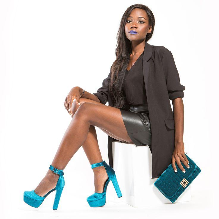 Ηigh heel pump in turquoise velvet