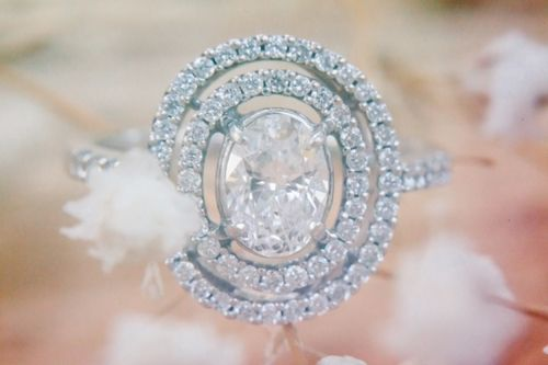 .Double Halo, Vintage Engagement Rings, Stunning Engagement, Oval Double, Oval Rings, Engagement Rings Photos, Oval Diamond, Gatsby Style, Wedding Rings