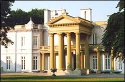 Dundurn Castle in Hamilton! For more historical sites in Ontario: http://www.summerfunguide.ca/08/museums-galleries-historical-sites.html #summer #fun #ontario #hamilton #castle