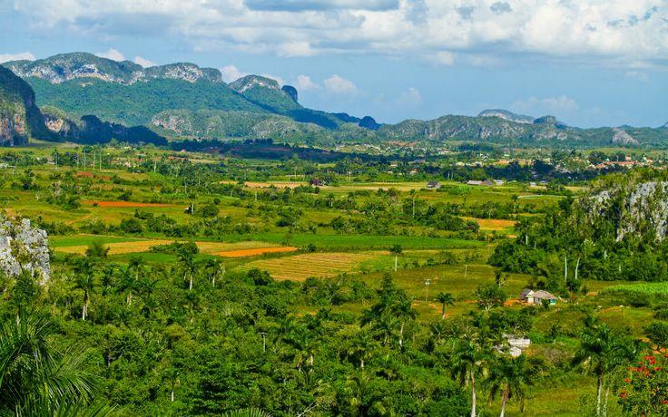 Lähde kiertomatkalle elämänilon ja salsan kotimaahan, Kuubaan. Viñalesin laakso. www.apollmatkat.fi #Kiertomatka #Kuuba