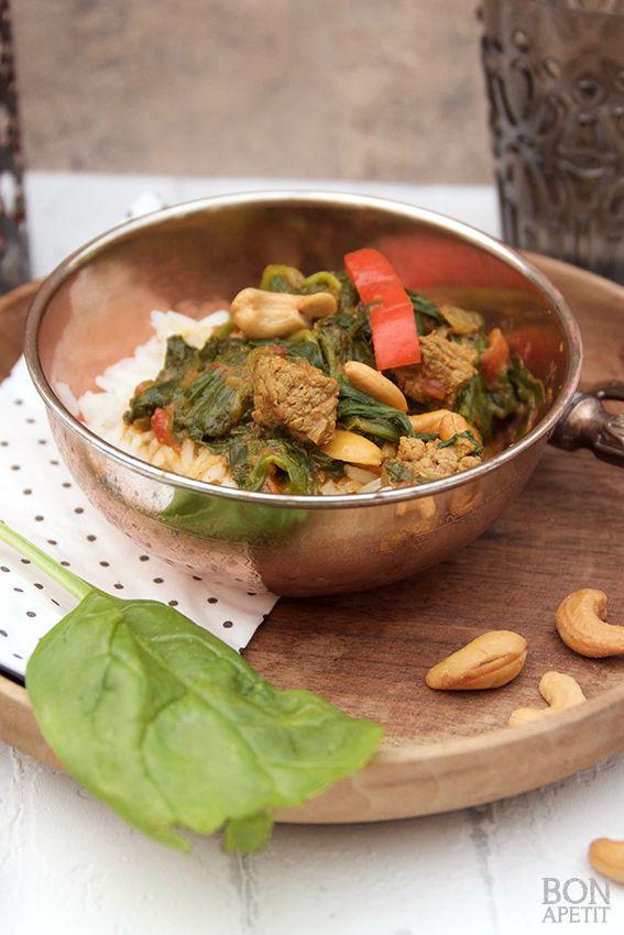 Heerlijke kruidige curry met spinazie, paprika, rund en cashewnootjes. Zelf maken of een ander heerlijk gerecht maken? Lees verder op BonApetit!