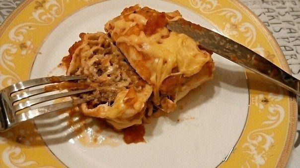 Фото к рецепту: Лазанья-ролл.