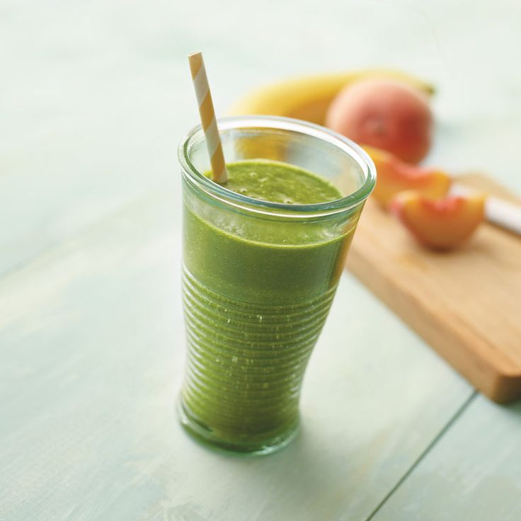 Shauna's Green Smoothie #smoothie #recipe #healthy http://greatist.com/eat/healthy-smoothie-recipes-from-juice-company-owners