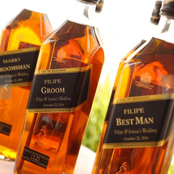 Give your groomsmen their own personalised labels for whisky for your wedding
