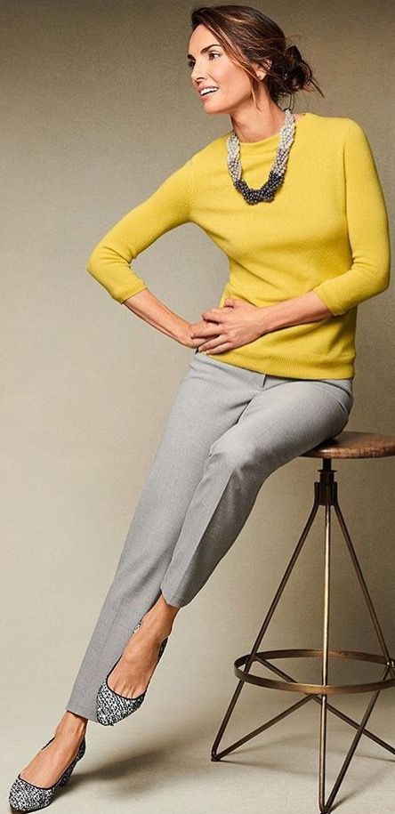 Best Outfits For Women Over 50 - Fashion Trends Business Outfit Frau, Business Casual Outfits, Office Outfits, Classy Outfits, Work Outfits, Yellow Sweater Outfit, Grey Pants Outfit, Sweater Outfits, Fashion Over 50
