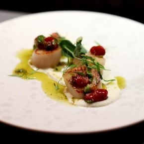 Seared sea scallops with lime crème fraiche and sauce vierge: Restaurant