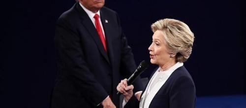 Attualità: #Clinton e #Trump: confronto rovente e colpi bassi (link: http://ift.tt/2dPoHMK )