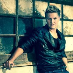 Stephen Hayes - for bookings, quotes and info send a mail to letitia@showboy.co.za