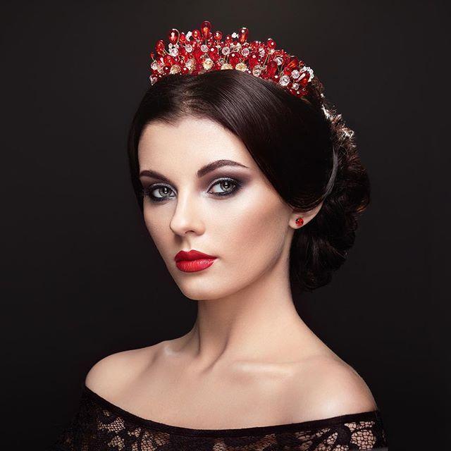Model @kriss175 Hair @dementyevaalla #editorial #model #makeup #mua #fashionmodel #fashion #glamour #girl #woman #womanphoto #portrait #vogue #endlessfaces #portraitphotography #heckmannoleg #девушка #красота #profoto #500px #beauty #mac #maccosmetics #hair #hairstyle #fashionable #instafashion #cosmetics #inglot #love #famousbtsmagazine
