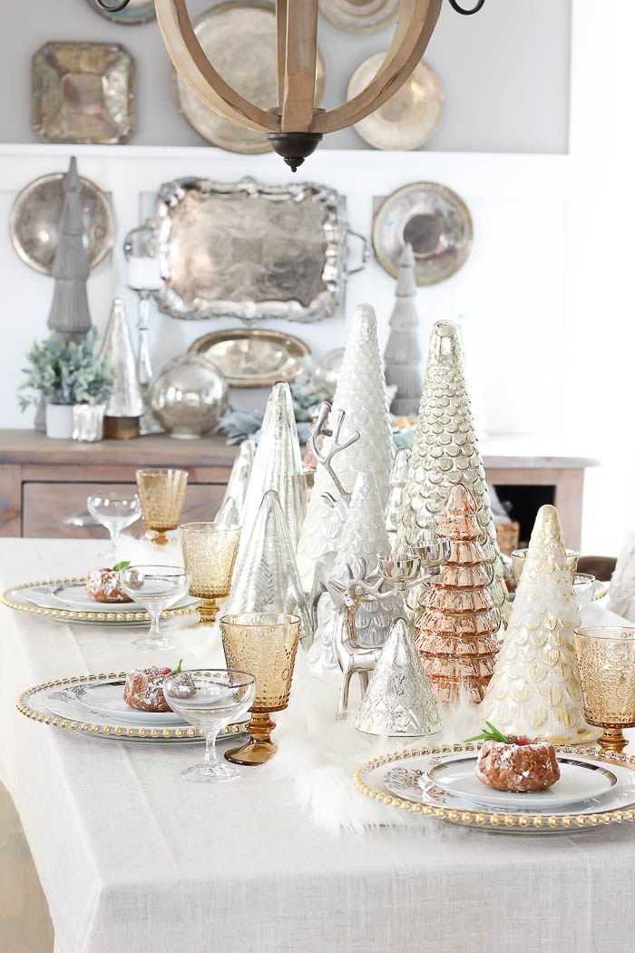 11 Festive Holiday Tablescapes to Inspire You! | Pizzazzerie