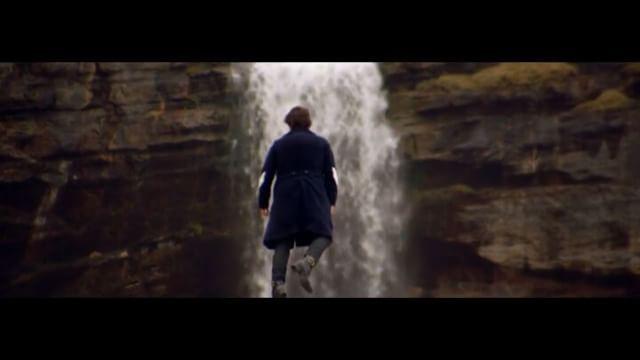 В процессе съемок видеоклипа на сингл «#SignOfTheTimes» Гарри Стайлсу приходилось подниматься на расстояние примерно 1,550 футов над землёй (472 метра). Это выше, чем верхушка Эмпайр Стейт Билдинг и Эйфелевой Башни .  Предлагаем вашему вниманию кадры из клипа, премьера которой состоялась несколько часов назад на официальном #Vevo канале исполнителя видеохостинга #YouTube .  @harrystyles - официальная страница исполнителя в сети #Instagram .  @pro_celebrity - ваш главный музыкальный новостной…