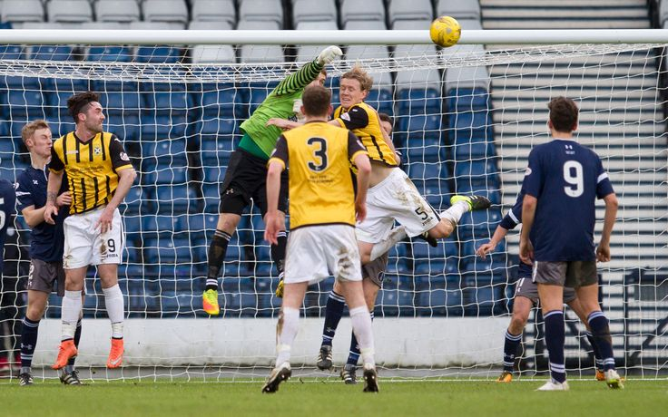 Queen's Park's Wullie Muir punches clear during the Ladbrokes League One game between Queen's Park and East Fife