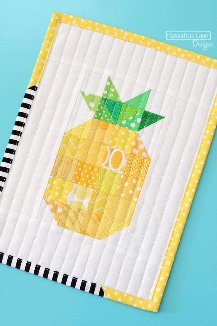 free pattern: pineapple mini quilt