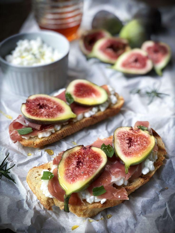 Bruschetta de figo, queijo cottage e presunto cru – Cookterapia