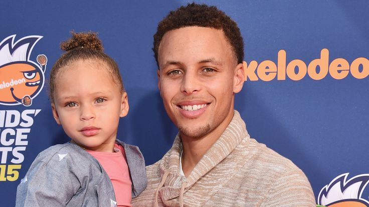 See Riley Curry celebrate 3rd birthday with some adorable dance moves