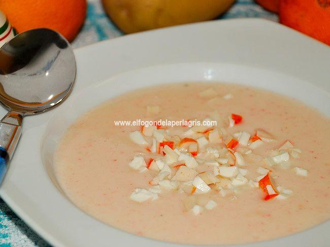 La crema de palitos de cangrejos  es una de las más fáciles y ricas que podemos hacer para comerla, tanto en frío como en caliente. Depen...