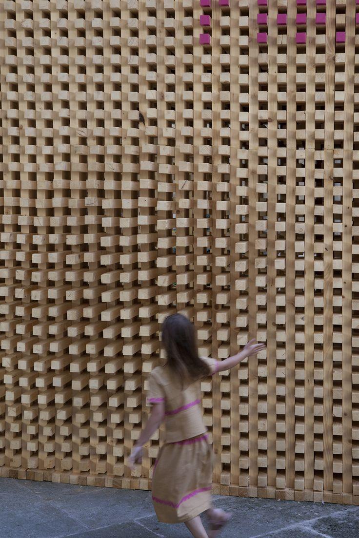 atelier vecteur: wooden welcome pavilion