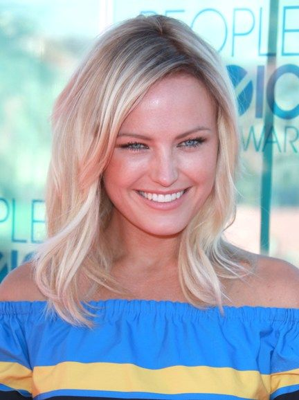 Malin Akerman cute hair & minimal make-up