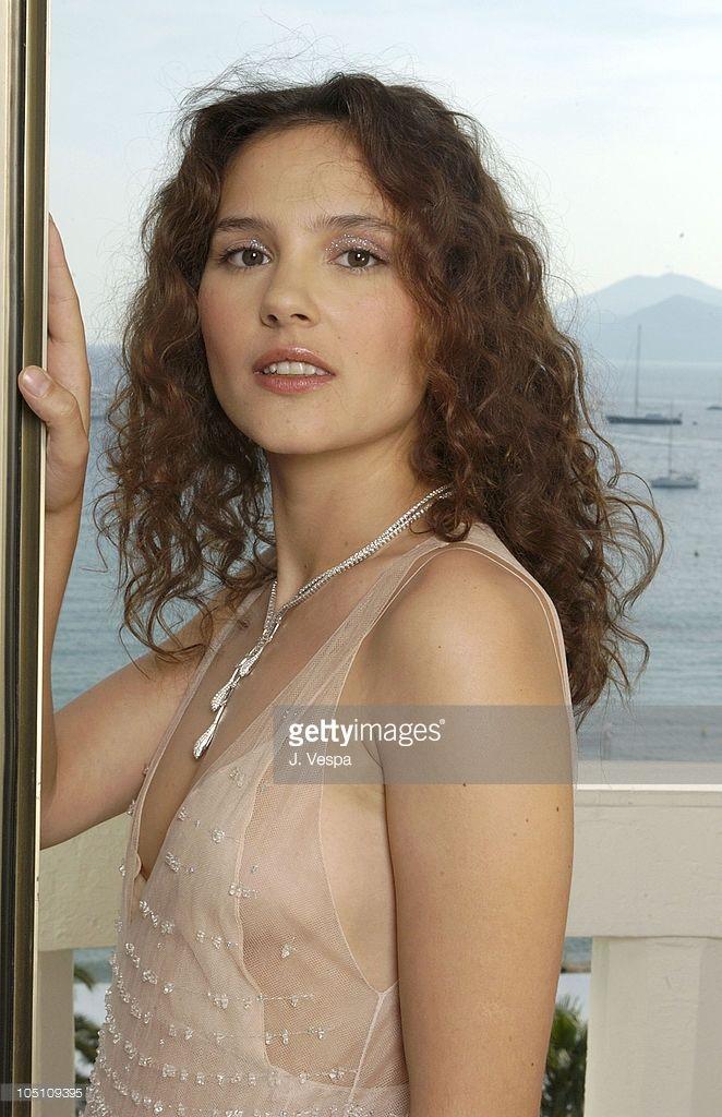 Photo d'actualité : Virginie Ledoyen wearing Chopard during 2003...