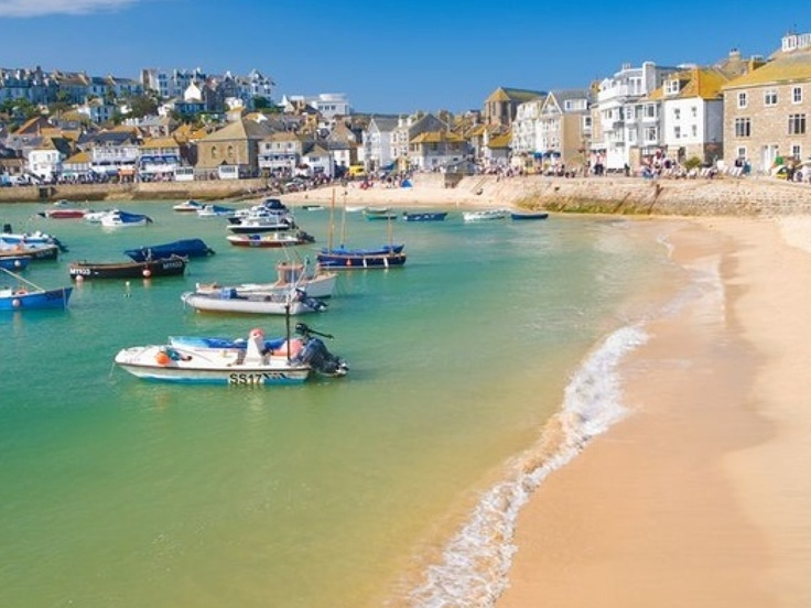 St Ives Cornwall - this is a beautiful little place, stunning scenery and quaint little houses. I love the view across the bay.