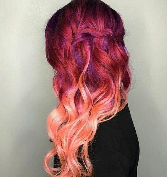 nouvelle tendance dans les couleurs de cheveux, couleur cheveux framboise, balayage rose pêche