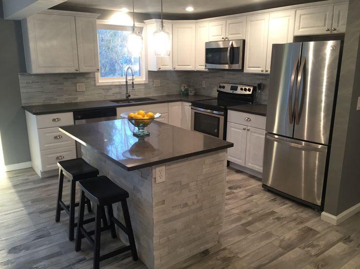 Modern Kitchen Gleaming White Cabinetry Quartz Counter