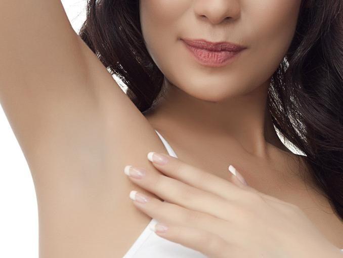 Exfoliante para eliminar manchas de las axilas | ActitudFEM